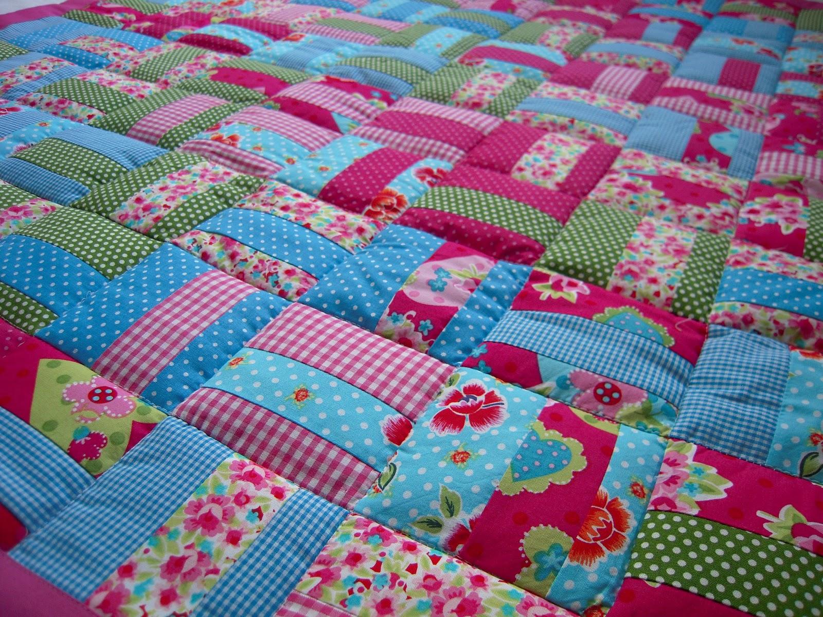 d 39 inge patchwork babydecke lena pink blumen. Black Bedroom Furniture Sets. Home Design Ideas