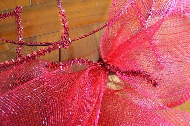 putting mesh on wreath