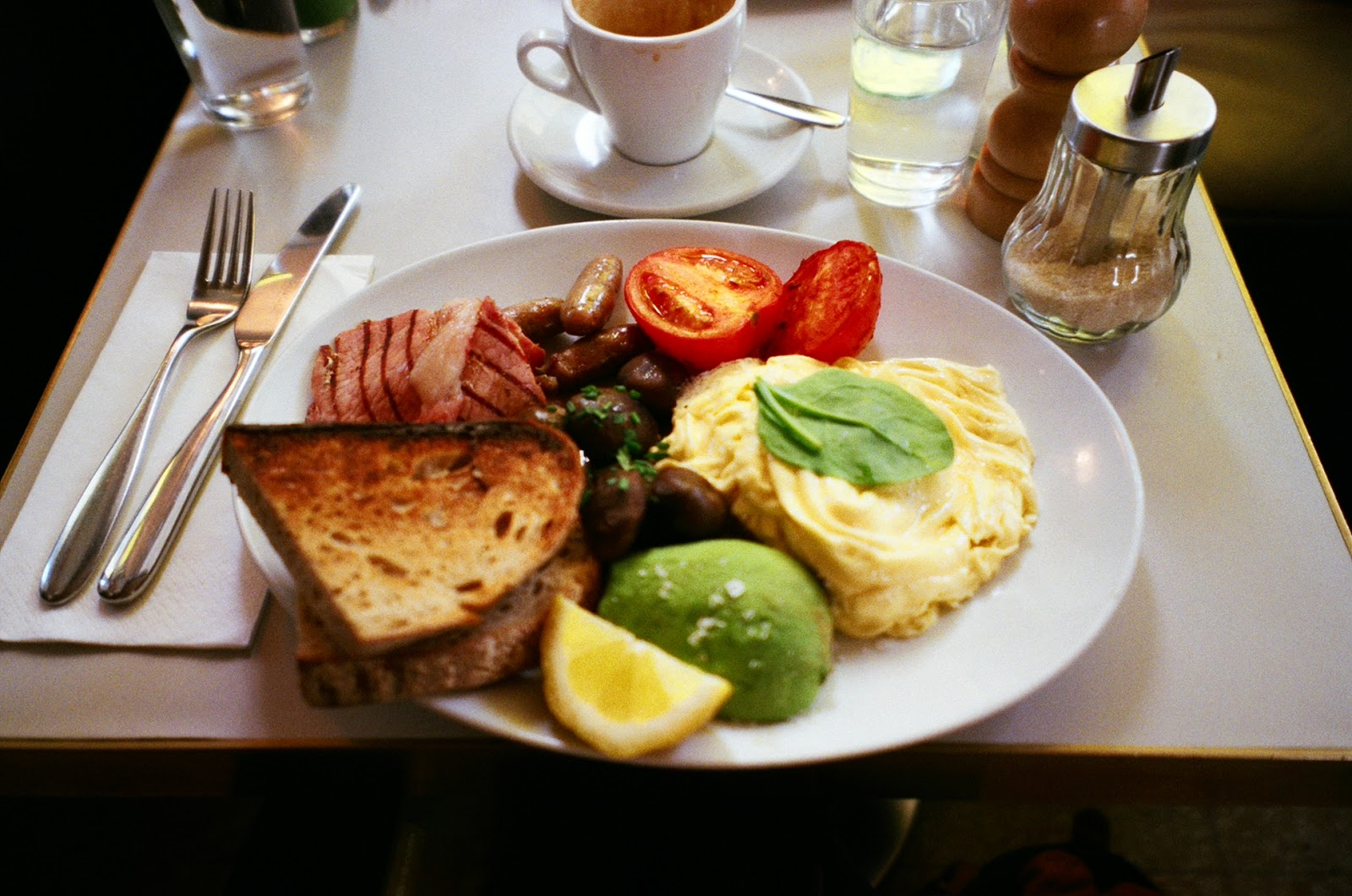 Granger & Co Notting Hill London cafe aussie breakfast