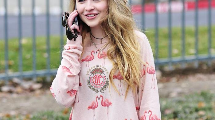 Sabrina Carpenter cejas depiladas | Ximinia
