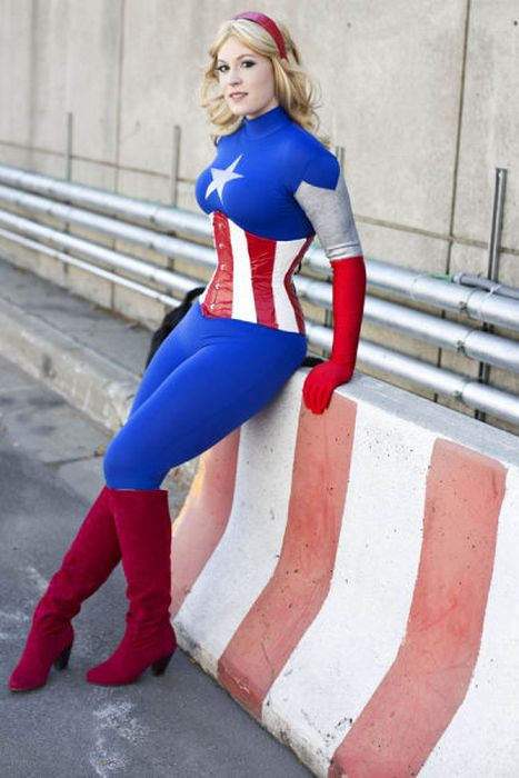 Hot cosplay babe