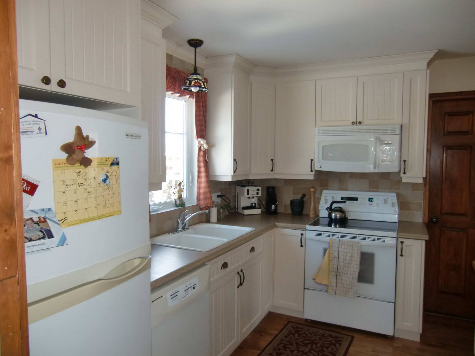 Specialit smm armoire de cuisine en thermoplastique for Cuisine en stratifie