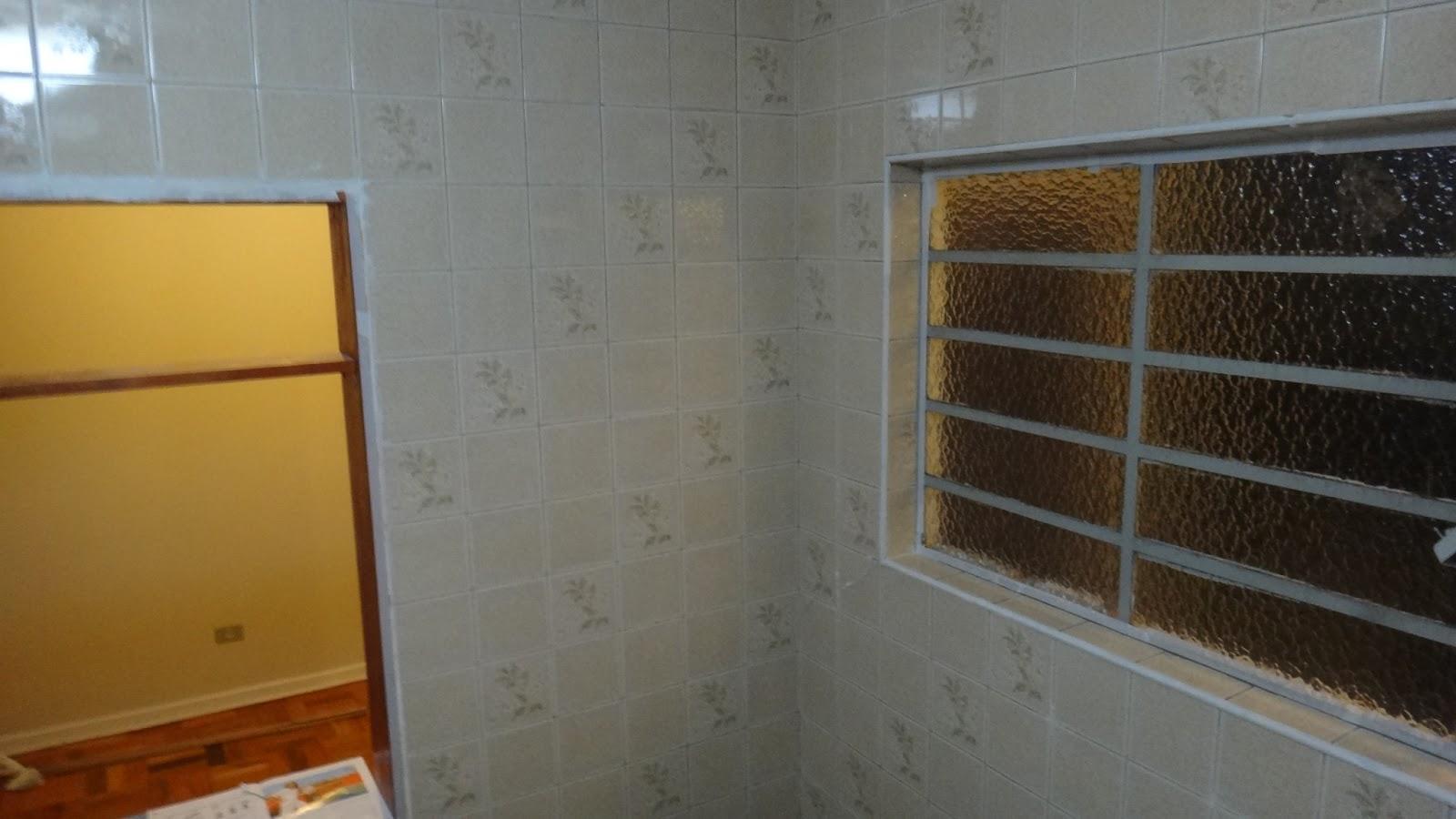 Pra ver a pintura dos azulejos e mais fotos do antes do banheiro #693B16 1600x900 Banheiro Azulejo Ou Pintura