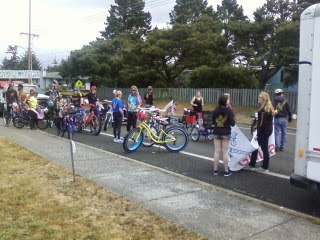 Bikes 101 Florence Oregon bring guitars and bikes and