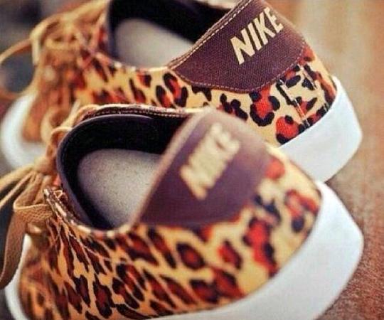 Nike de leopardo