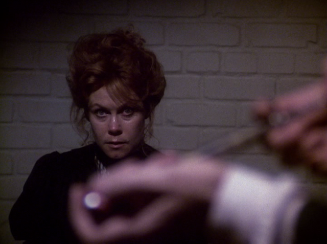 Elizabeth Montgomery as Lizzie Borden in THE LEGEND OF LIZZIE BORDEN (1975)