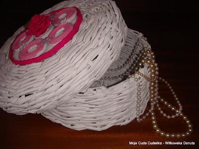 papierowa wiklina,biżuteria ,recykling