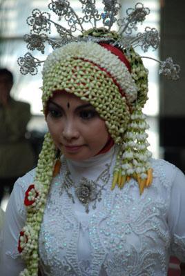Gambar. Makeup Pengantin Muslimah ~ Eriiee Anthiiee