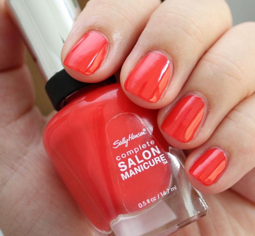 Pondering Beauty: Sally Hansen Complete Salon Manicure 560 Kook-A-Mango