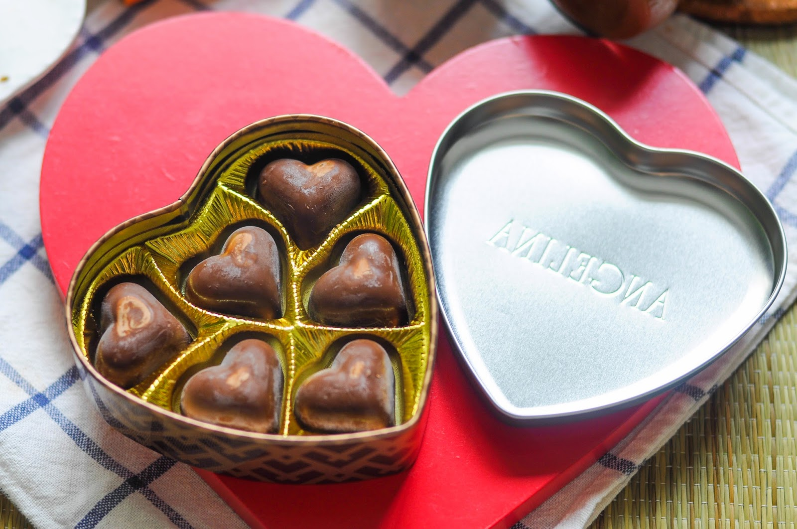 Milk Chocolate Hearts Filled with Hazelnut Praline