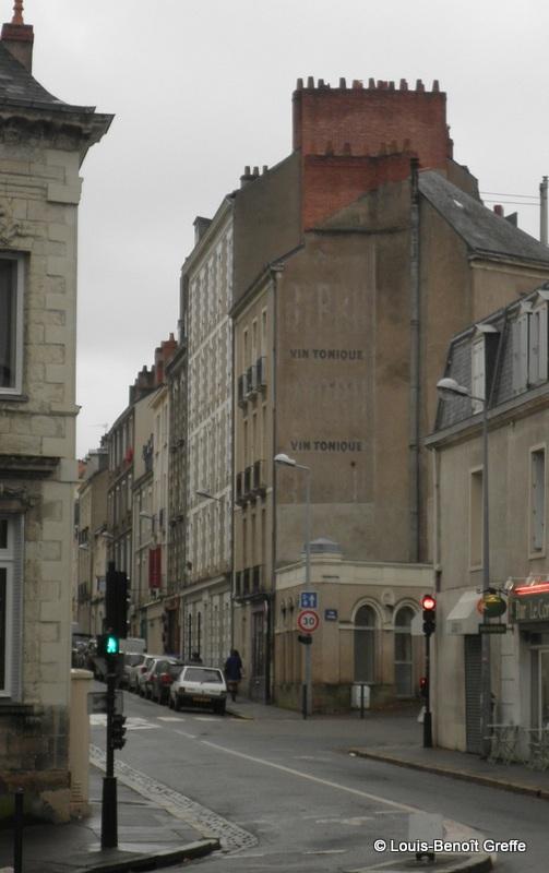 Les murs peints s 39 affichent promenade nantaise - 4 murs nantes ...