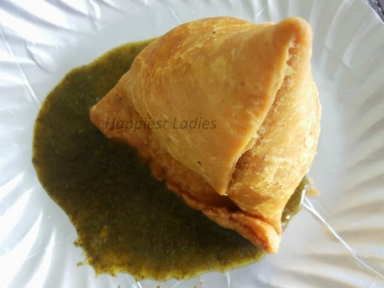 gujarati vegetable samosa indian snack