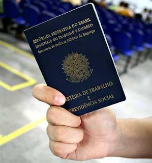 Emissão de carteiras de trabalho para estrangeiros aumenta 53% em 2013