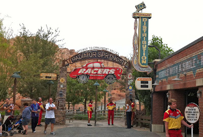 Radiator Springs Racers, entrance, early, morning