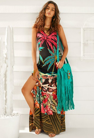Adriana Barra para C&A vestido longo e bolsa transversal de franjas