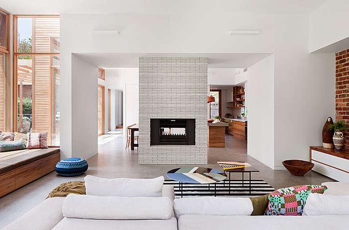 Una casa contemporanea de grandes espacios abiertos for Decoracion de espacios abiertos en casa