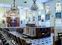 """בית הכנסת """"יד לזיכרון"""" בסלוניקי"""