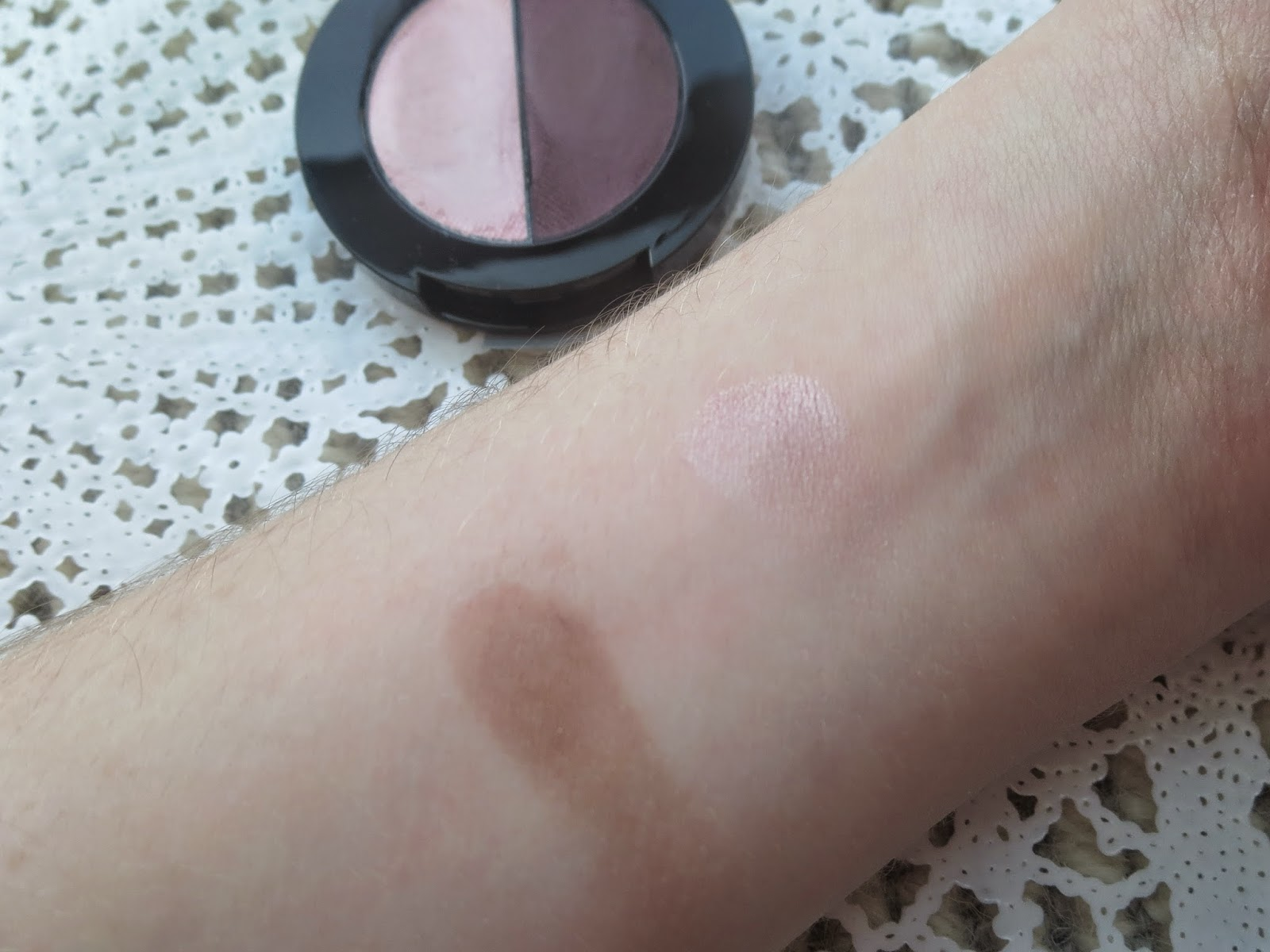 a picture of Maybelline Color Molten in Rose Haze (standard swatch)
