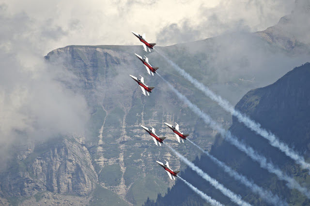 Patrouille Suisse f-5 formation