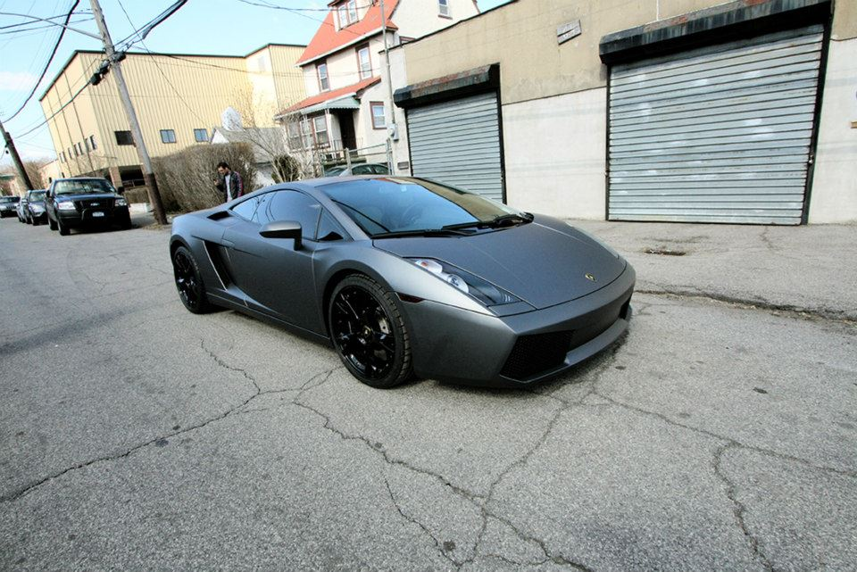 Gallardo car - Color: Silver  // Description: amazing