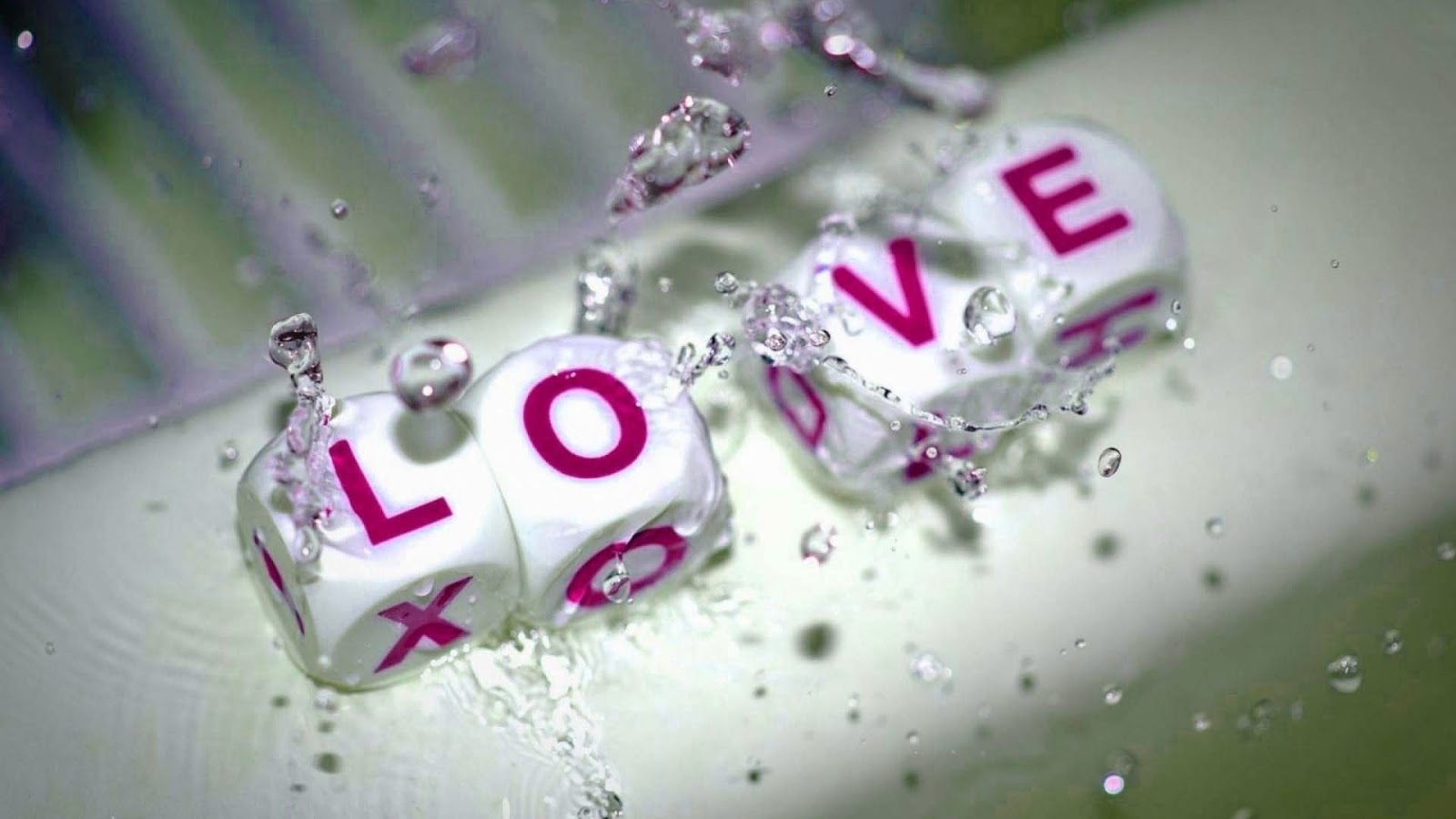 love_hd_wallpaper-in-purple-white-color