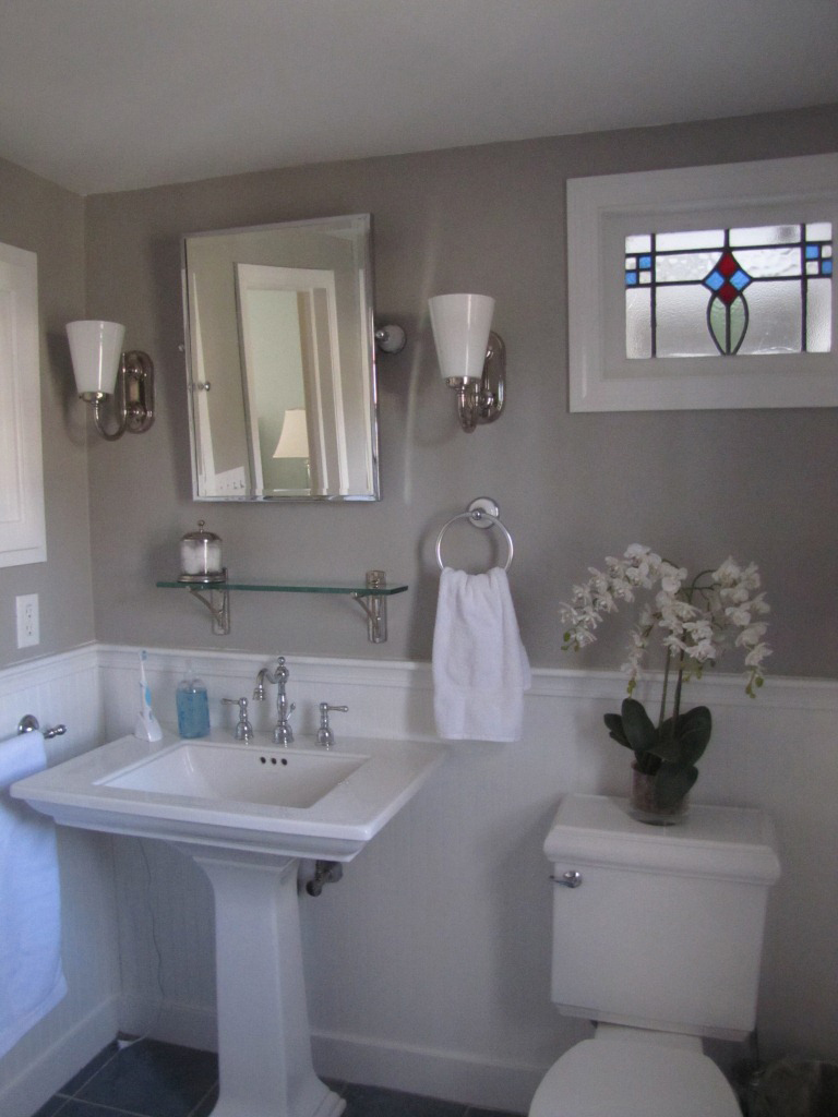 Bedford gray favorite paint colors blog for Popular bathroom styles