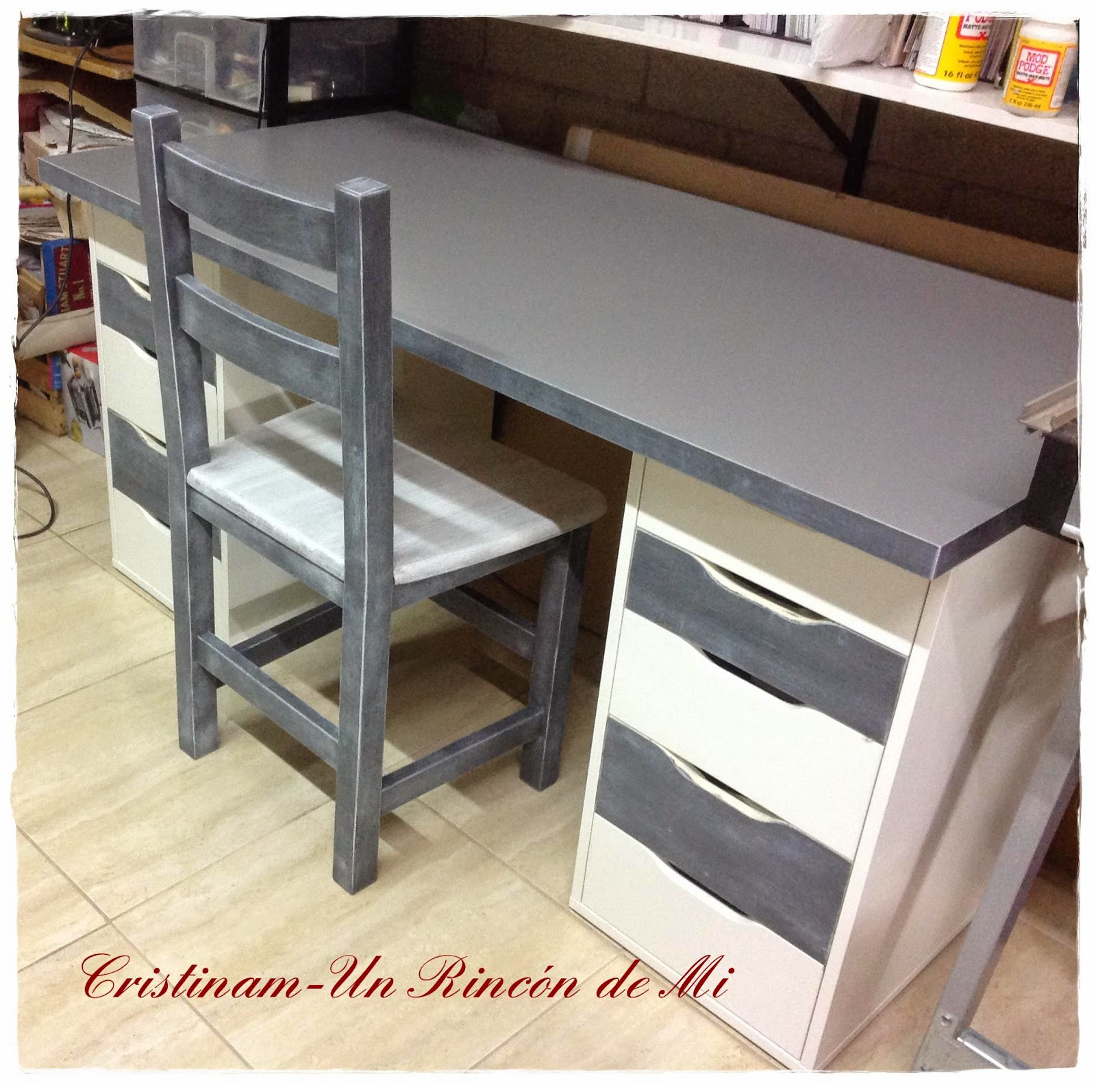 Un rinc n de mi mi nueva mesa de trabajo tuneo de - Mesas pintadas a la tiza ...