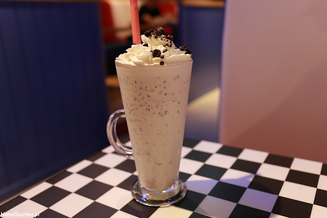 Amerykanska restauracja Fuddruckers Warszawa - shake Oreo