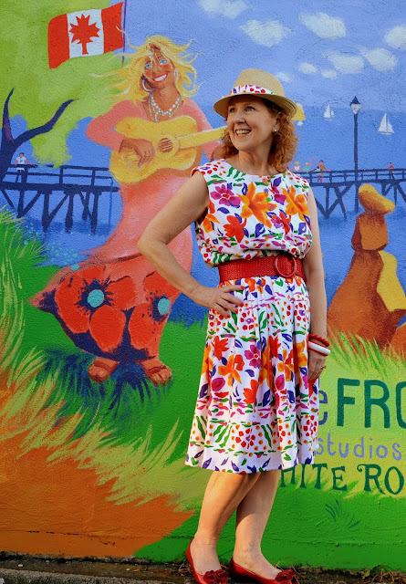 A Colourful Canvas, Simplicity Pattern 8229