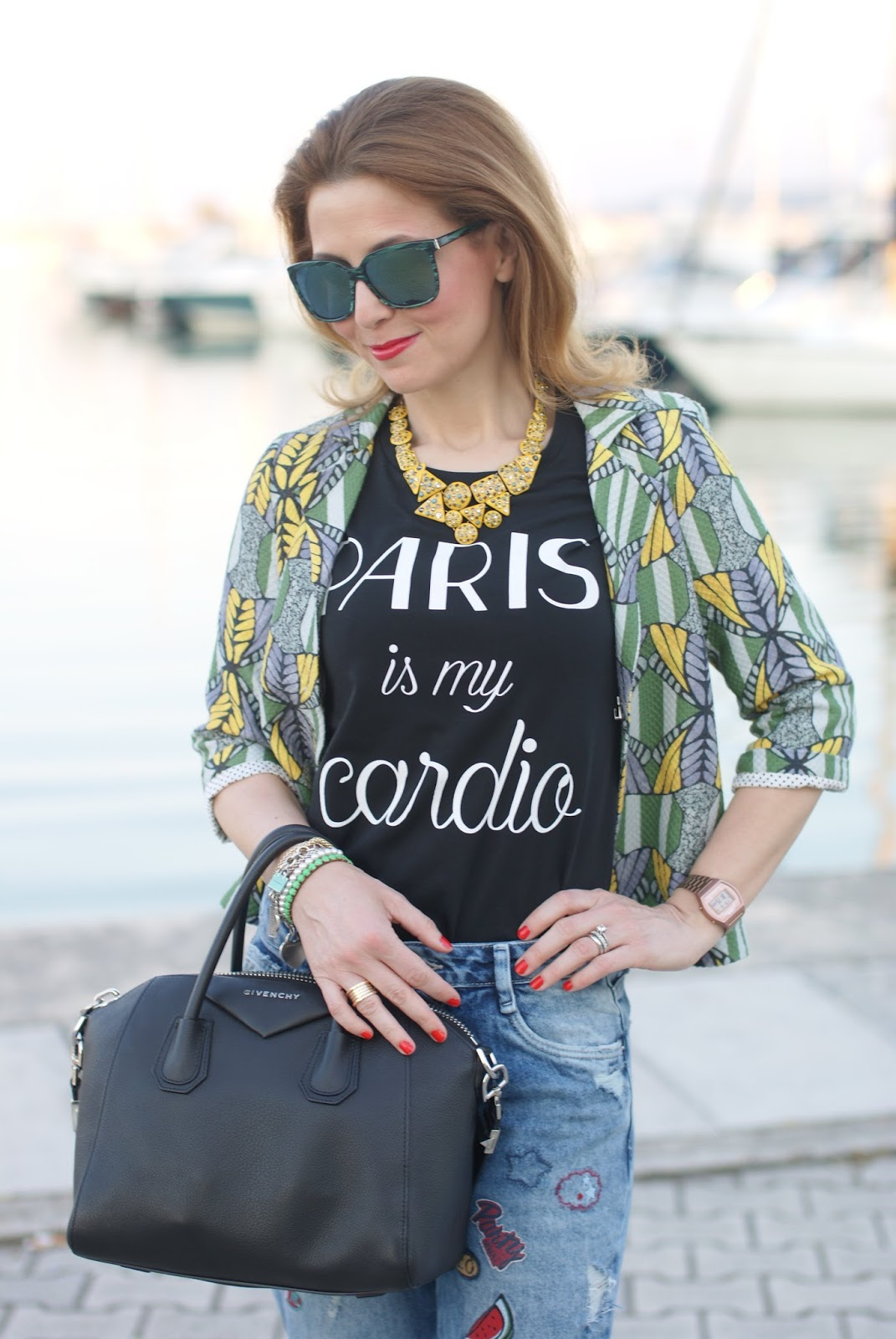 Tezenis t-shirt, BVLGARI ring Givenchy Antigona bag, Fashion and Cookies fashion blog, fashion blogger style