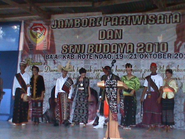 ... DAN PARIWISATA KABUPATEN LEMBATA: Jambore Pariwisata Sumba Timur 2011