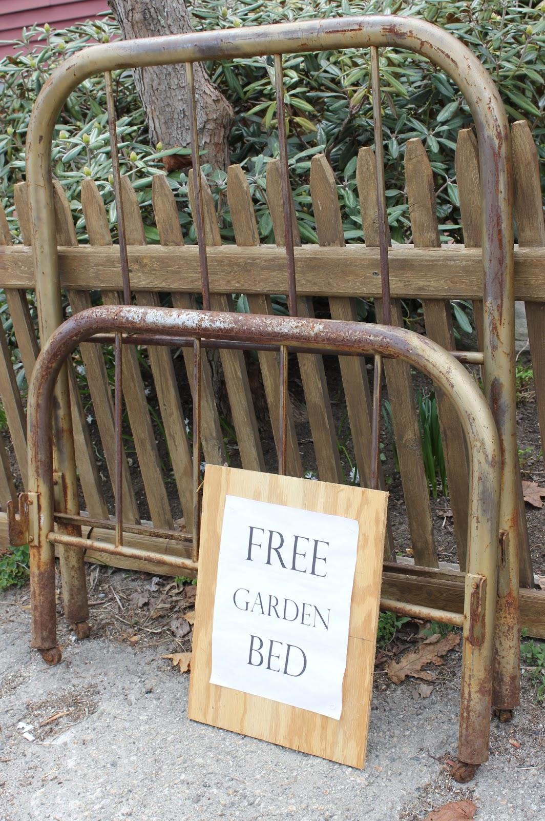 Hailey\'s Treasures: Vintage Garden Bed {Curb Alert!}