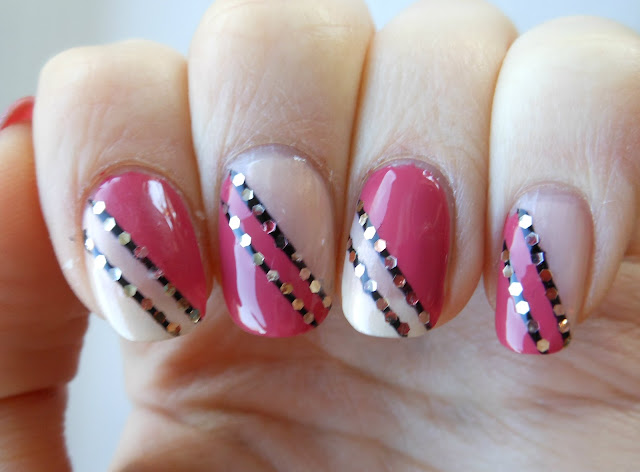 Holy grail nails how to sophisticated glitter nail art how to sophisticated glitter nail art prinsesfo Images