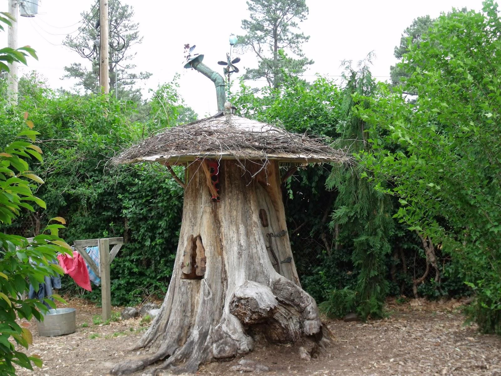 Cool tree house in children 39 s garden for Garden trees memphis