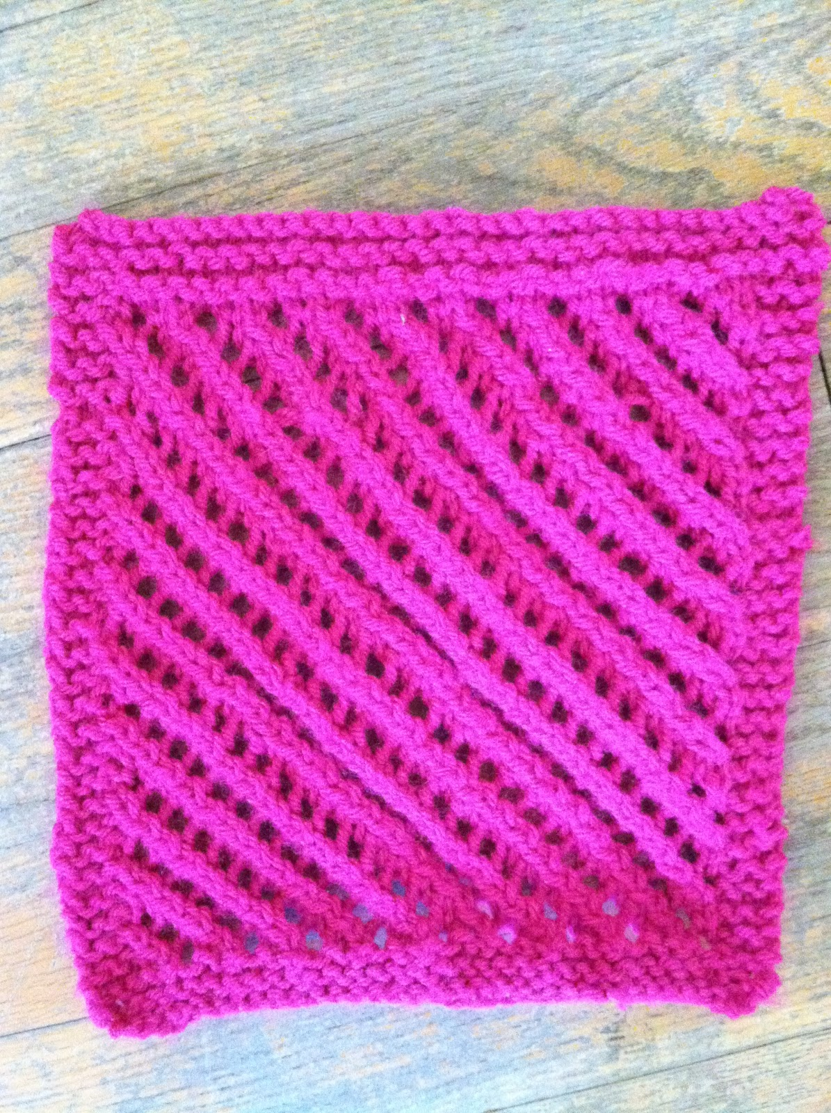 Free Knitting Pattern Afghan Sampler : Cats and Crafts: Crocheted/Knitted Sampler Square Afghan