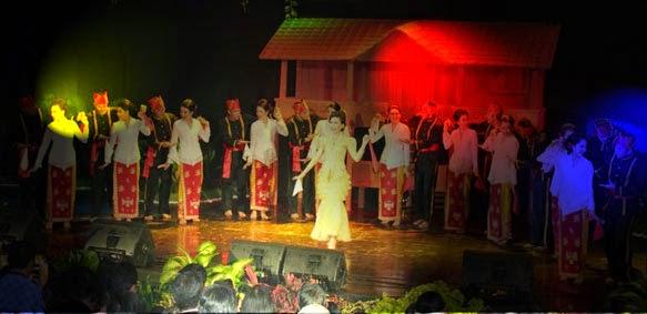 Tari maengket Tarian adat Sulawesi Utara
