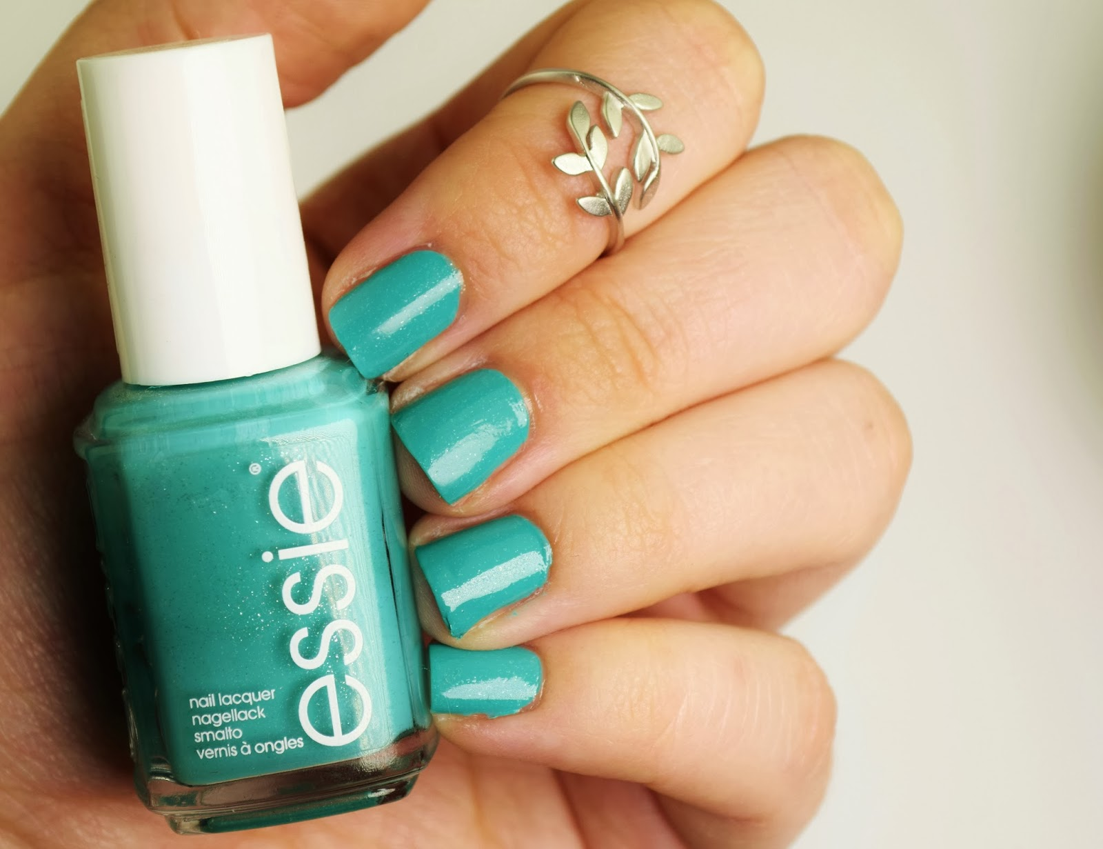 NOTD: Essie Naughty Nautical review swatch