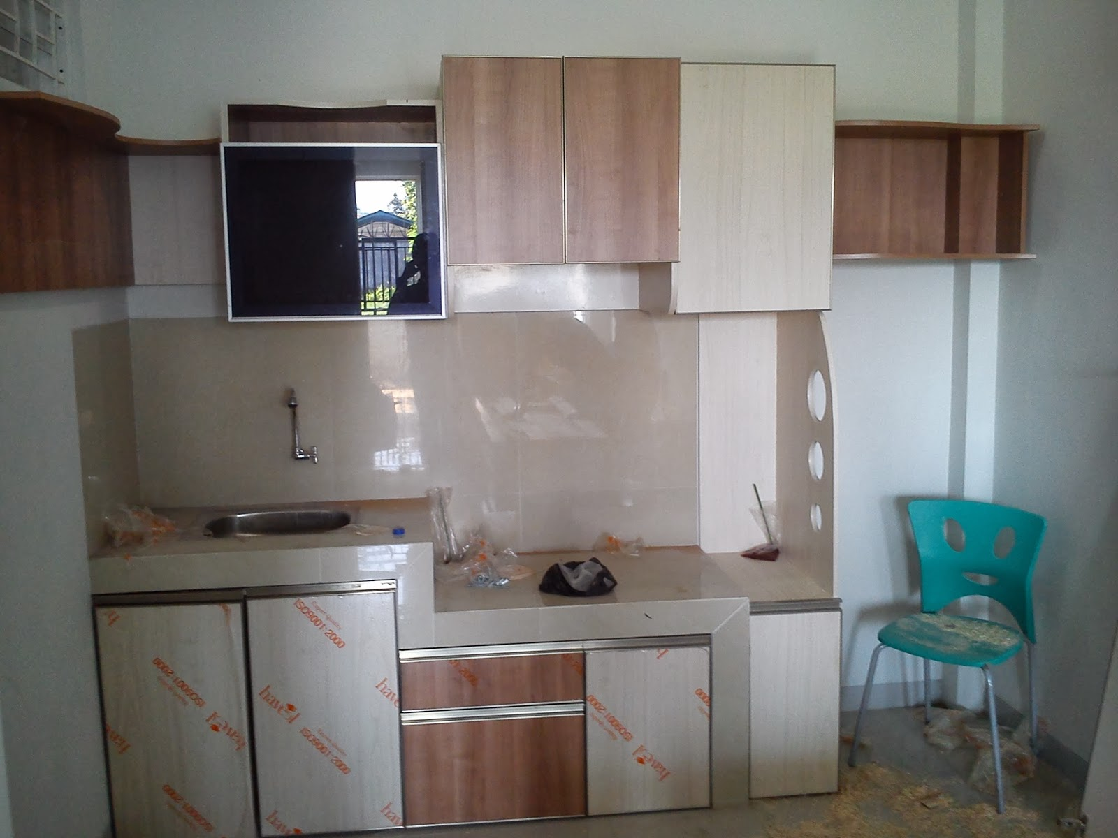 Jasa kitchenset solo desain kitchenset solo for Kitchen set yang sudah jadi