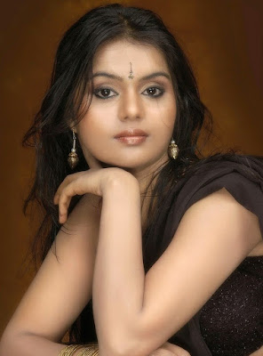 Hot-Sonia-Bhatt-Telugu-Actress