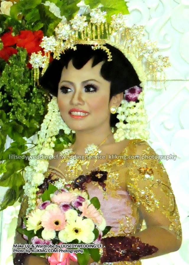 Lilis Edy Rias Pengantin dalam Gelar Pernikahan Rias Pengantin SOLO PUTRI MODIFIKASI di Gd. Soemardjito Unsoed - Purwokerto