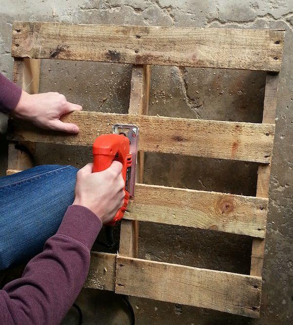 Haz tu propio trineo con un palet de for Como hacer una valla con palets