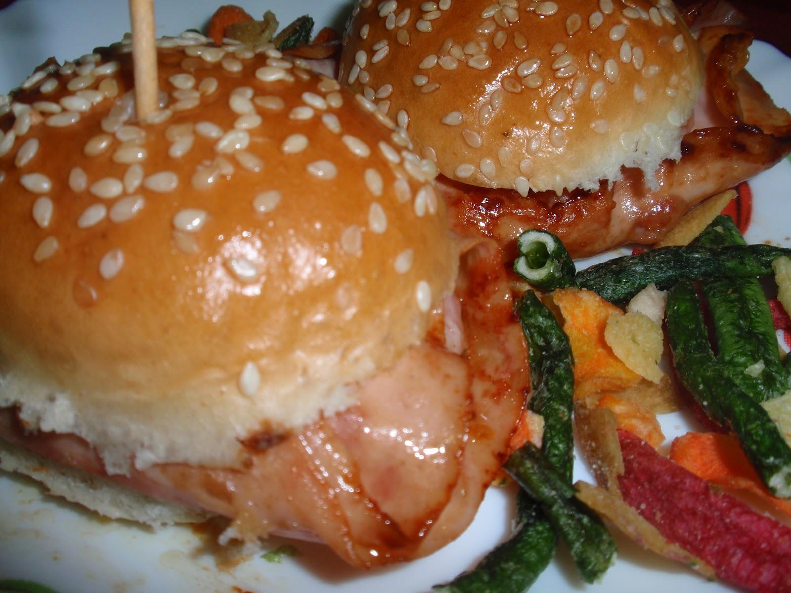 isabelma cocinilla mini hamburguesa de pavo cebolla y parmesano. Black Bedroom Furniture Sets. Home Design Ideas