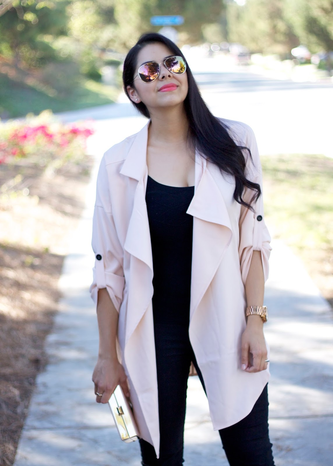 how to wear a trenchcoat, san diego street style, how to wear a light weight trench, trench coats like kim kardashian