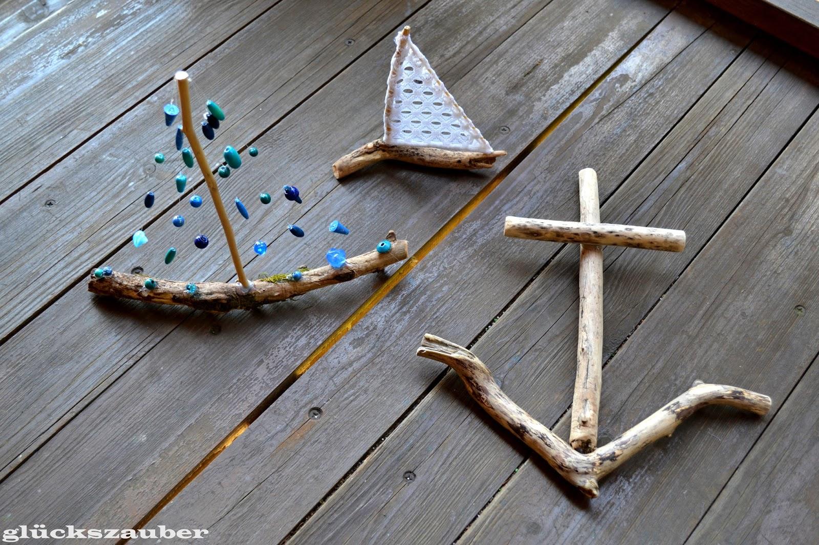 gl ckszauber basteln mit treibholz segelschiffe anker und klangspiele in fischform. Black Bedroom Furniture Sets. Home Design Ideas
