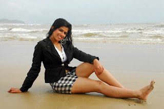 WWW..BLOGSPOT Actress Nakshatra Spicy Legs Show in Short Images Picture Stills Gallery 0004