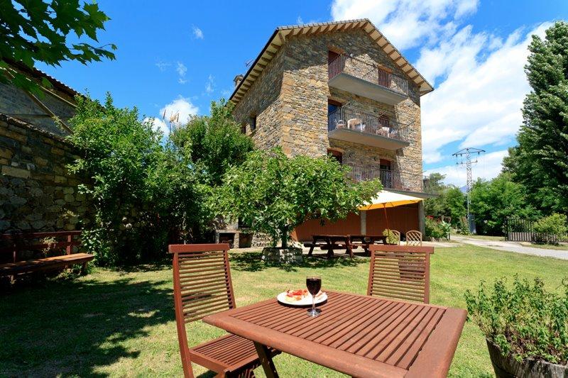 Verano en el pirineo aragones pueblos con encanto del pirineo - Casas rurales en los pirineos catalanes ...