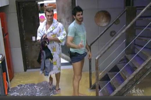 BBB 11 - Rodrigão fica excitado após conversa com Adriana. Veja o