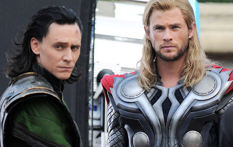 Tom Hiddleston Chris Hemsworth Thor Loki Avengers set