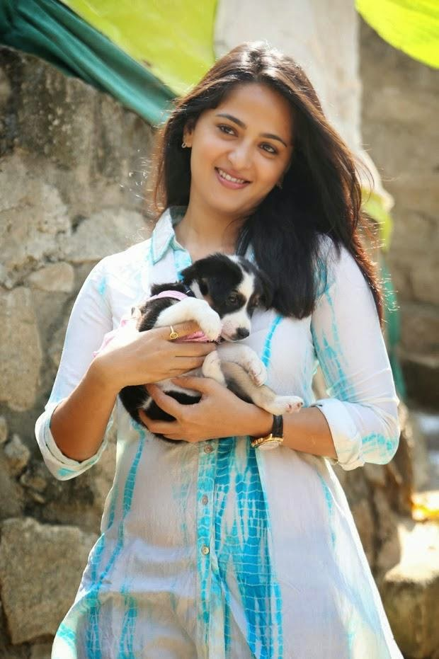 Anushka Shetty Beautiful HD Wallpaper Free