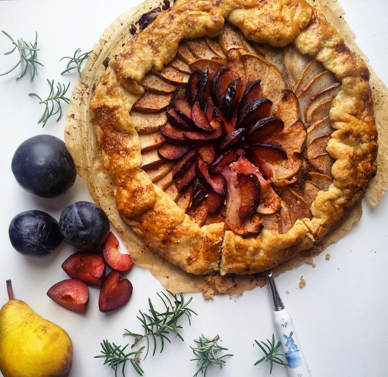 Galette sa jabukama, kruškama i šljivama